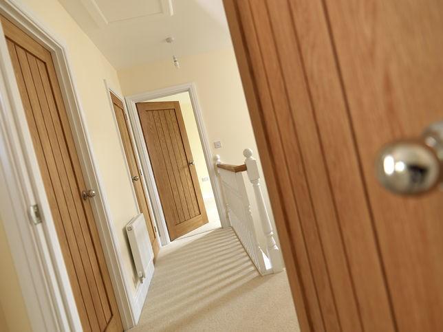 Интериорна врата - естествен фурнир